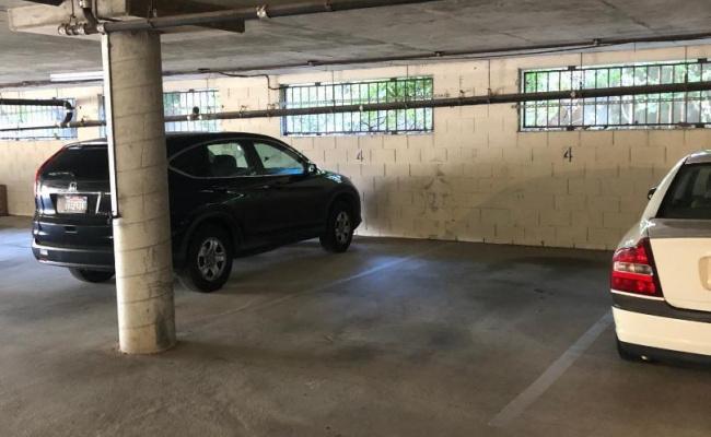 Garage parking on North Claremont Street in San Mateo
