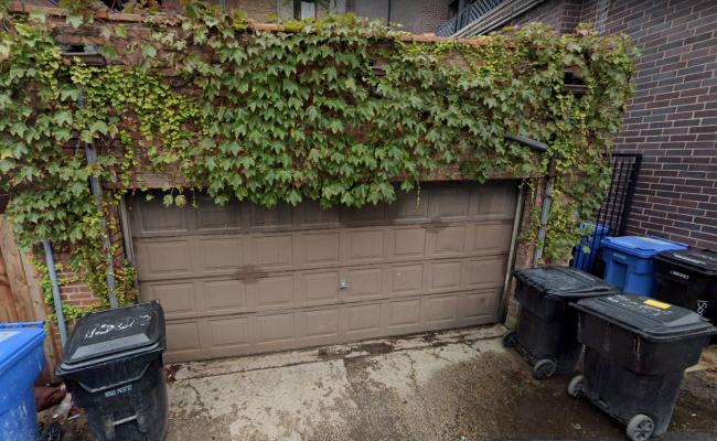 Garage parking on North Cleveland Avenue in Chicago
