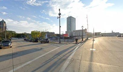 parking on North Edison Street in Milwaukee