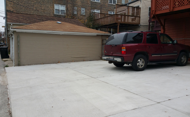 parking on North Kenmore Avenue in Chicago