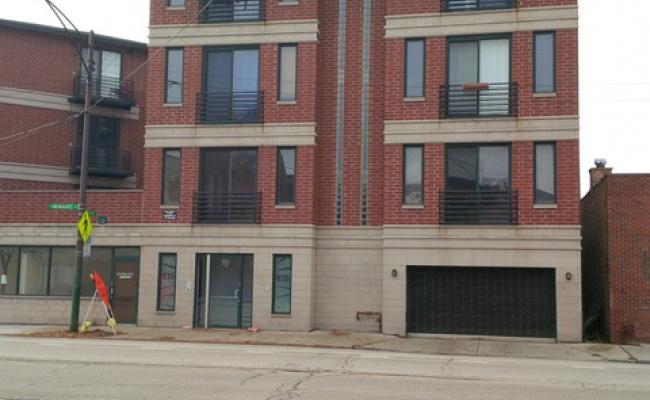 Garage parking on North Milwaukee Avenue in Chicago
