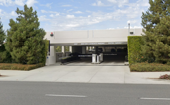 Garage parking on San Clemente Drive in Newport Beach