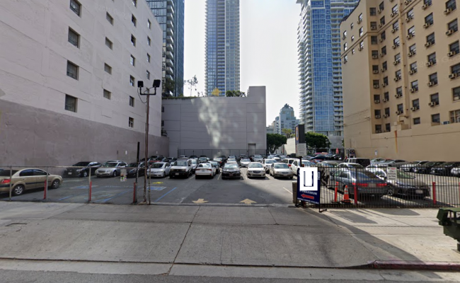 Outside parking on South Grand Avenue in Los Angeles
