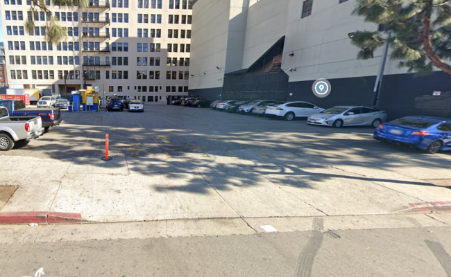 Outside parking on South Hill Street in Los Angeles
