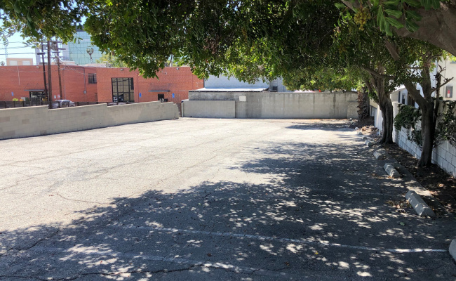 Outdoor lot parking on South Marengo Avenue in Pasadena