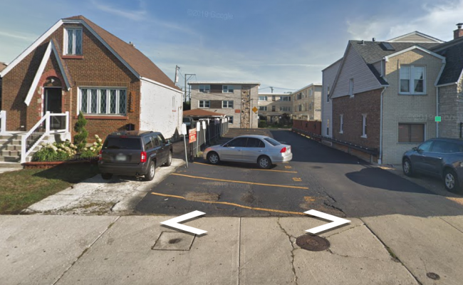 Outdoor lot parking on W 55th St in Chicago