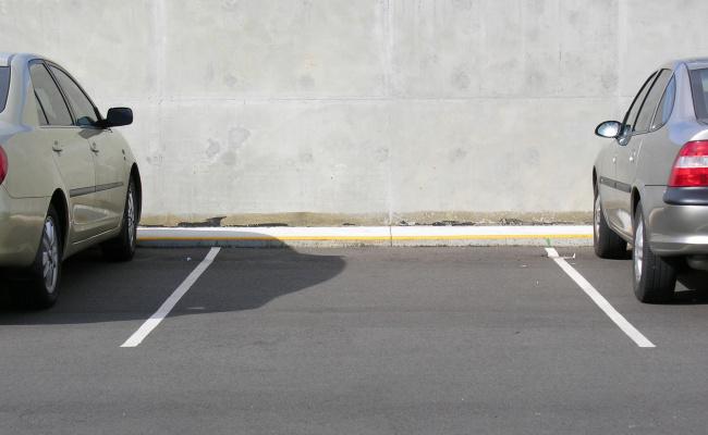 parking on 42nd St in Sunnyside