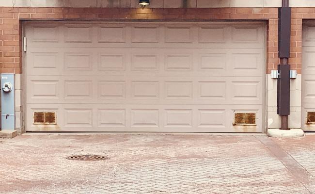 Garage parking on W Belmont Ave in Chicago