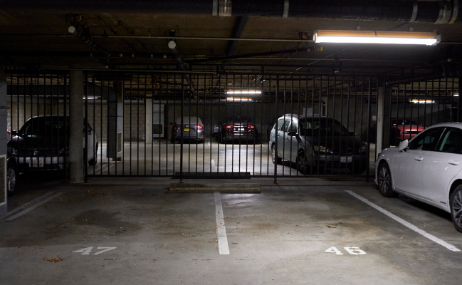 parking on W. Fairview in Glendale