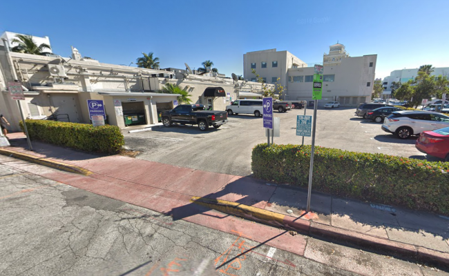 parking on Washington Ave in Miami Beach