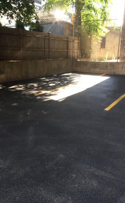 Garage parking on West Melrose Street in Chicago