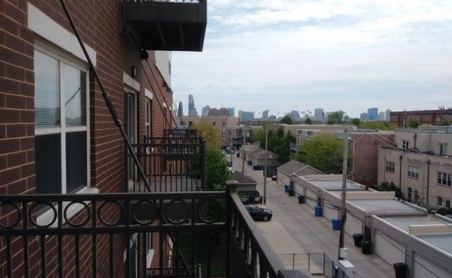 Outdoor lot parking on West Roosevelt Road in Chicago