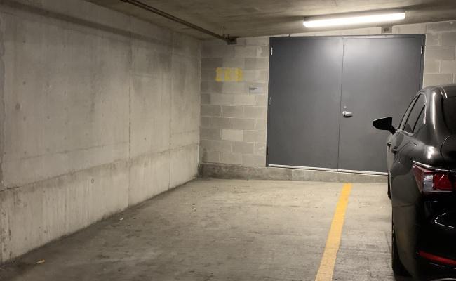 parking on West Van Buren Street in Chicago