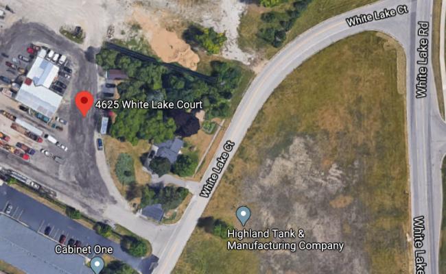 parking on White Lake Court in Clarkston