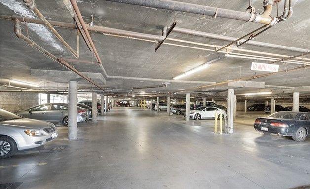 Garage parking on White Oak Avenue in Encino