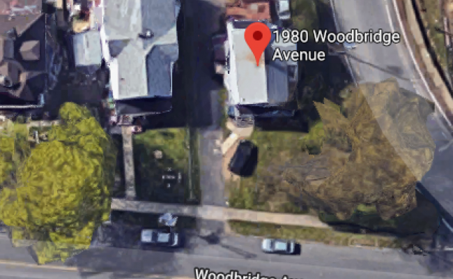 parking on Woodbridge Ave in Edison