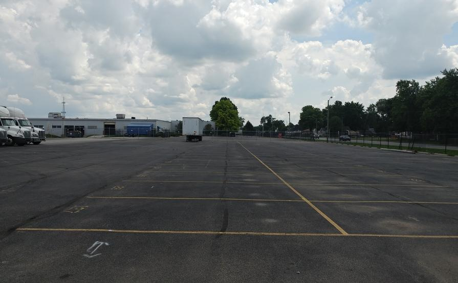 parking on S Holt Rd in Indianapolis