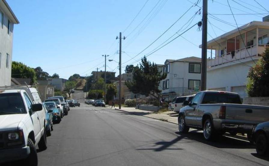 parking on Gardiner Ave in South San Francisco
