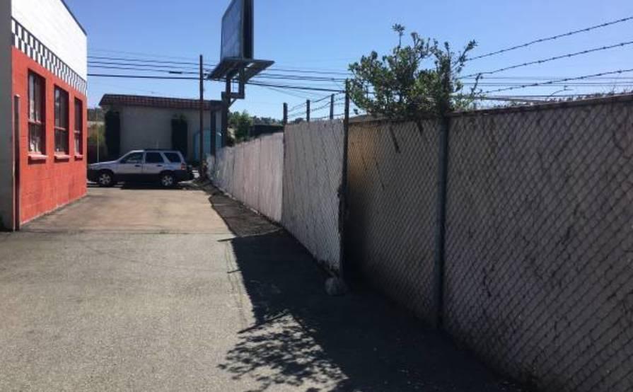 parking on E Washington Ave in El Cajon