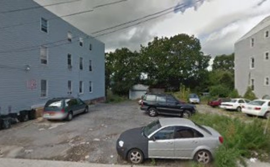 parking on Van Cortlandt Park Ave in Yonkers
