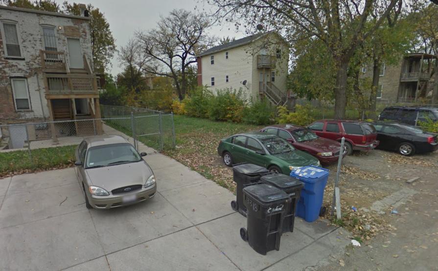 Parking Space parking on W Walnut St in Chicago
