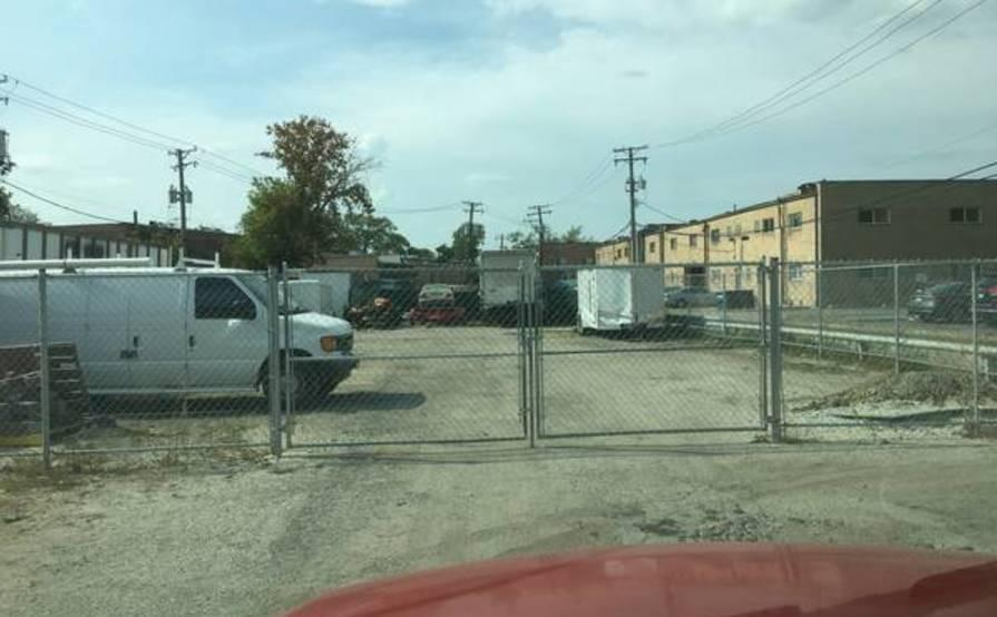 parking on Roosevelt Rd in Westchester