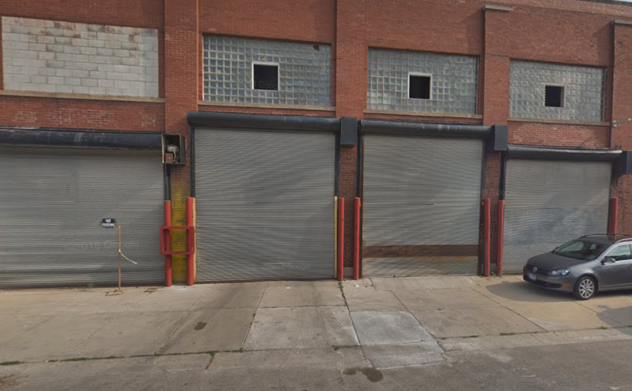 Garage parking on W Carroll Ave in Chicago