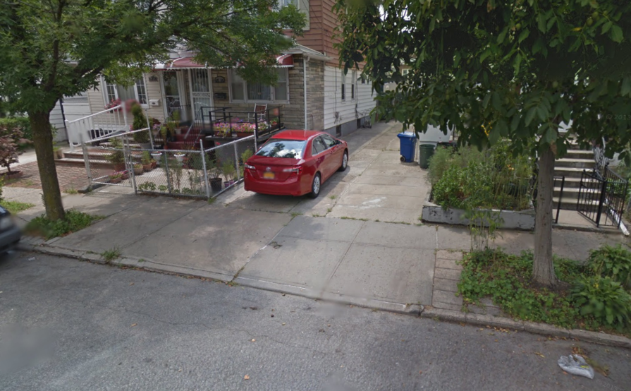 parking on 147-60 Coolidge Ave in Jamaica