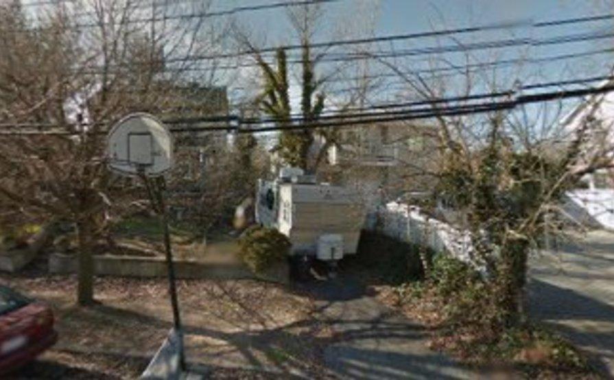 parking on Joline Ave in Staten Island