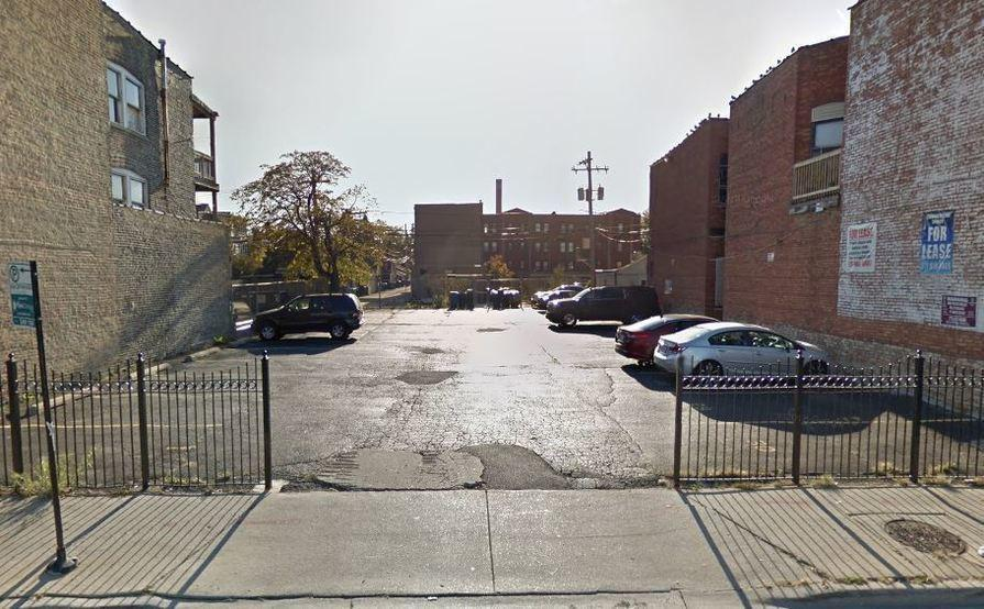 parking on N Milwaukee Ave in Chicago