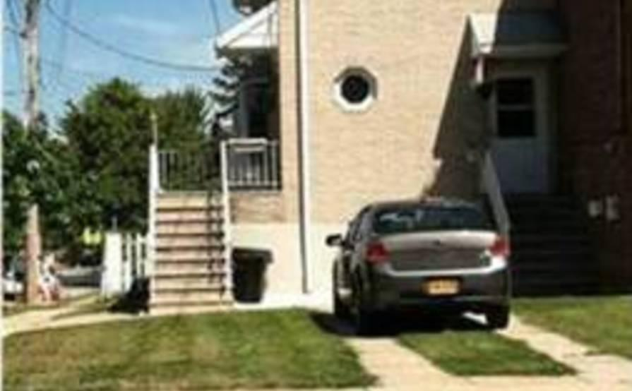 Driveway parking on Jules Dr in Staten Island