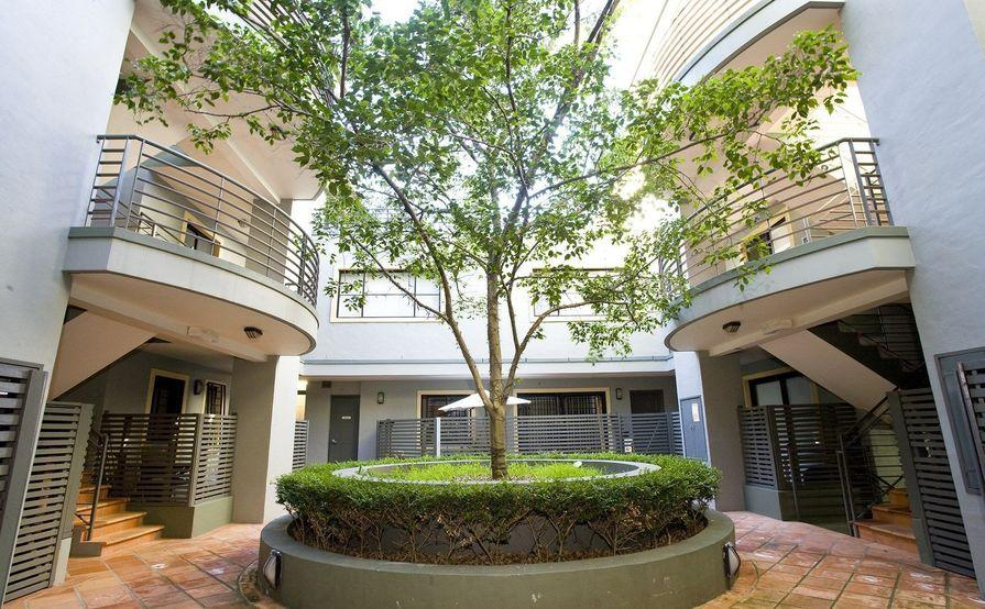 parking on Barcom Ave in Darlinghurst NSW