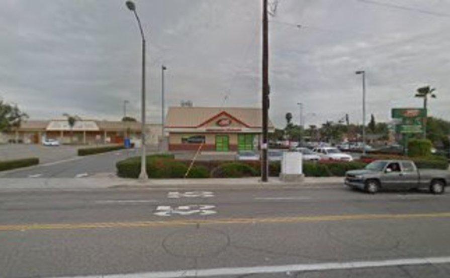 parking on N Raymond Ave in Fullerton