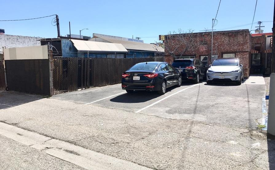 parking on Pico Blvd in Los Angeles