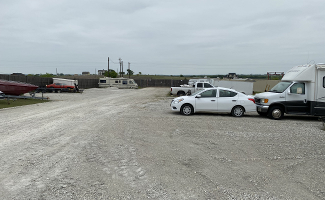 Outdoor lot parking on Melton Rd in Sanger