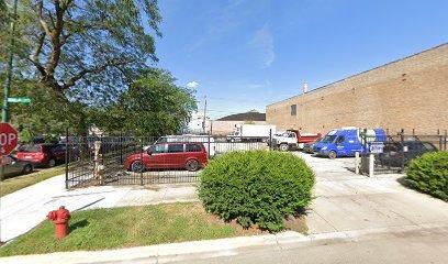 Outside parking on North Leavitt Street in Chicago