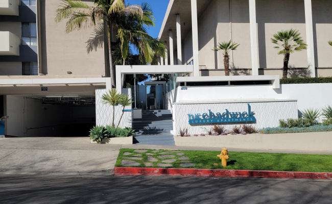Indoor lot parking on South Westmoreland Avenue in Los Angeles