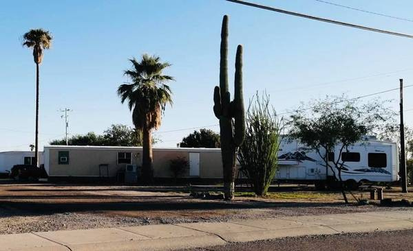 Outside parking on W Williams St in Gila Bend